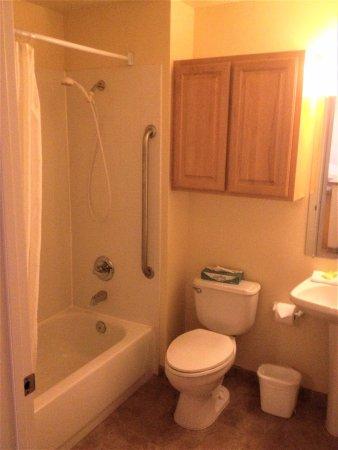 Depoe Bay, Орегон: Main bathroom