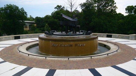 Albany, GA: Ray C.