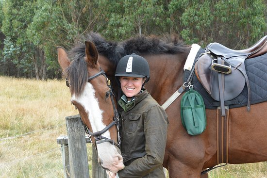 Poronui : Horse love Photo credit Tracy Williams
