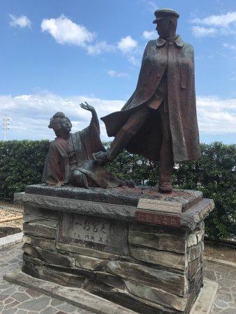 Omiyanomatsu / Statue of Kanichi and Omiya: photo1.jpg