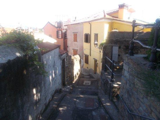 Muggia, Italy: Calle del Castello