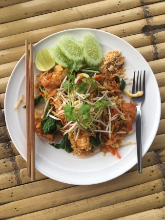 Bamboo Hut: Phad Thai