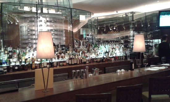 Summit at The Broadmoor: The Bar