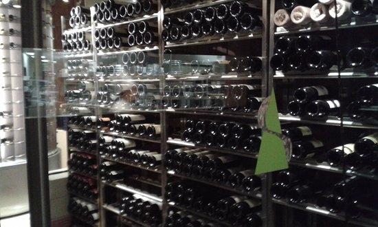 Summit at The Broadmoor: Nice wine cellar -