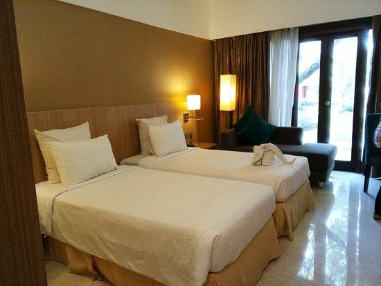 Novotel Surabaya Hotel and Suites照片