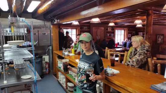 Gwin's Lodge and Restaurant: Great service at Gwin's Lodge!