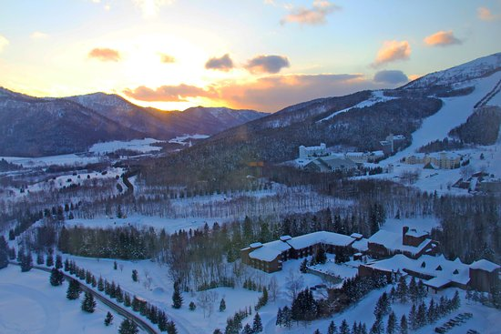 Hoshino Resort Tomamu: And the sun sets on a magical place @ Hoshino Tomamu Ski Resort