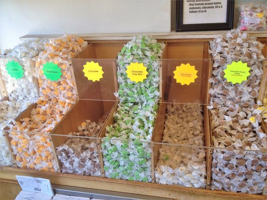 Depoe Bay, Όρεγκον: Ainslee's Salt Water Taffy - Flavors 1