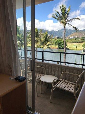 Waikiki Sand Villa Hotel: 運河側ラナイ302