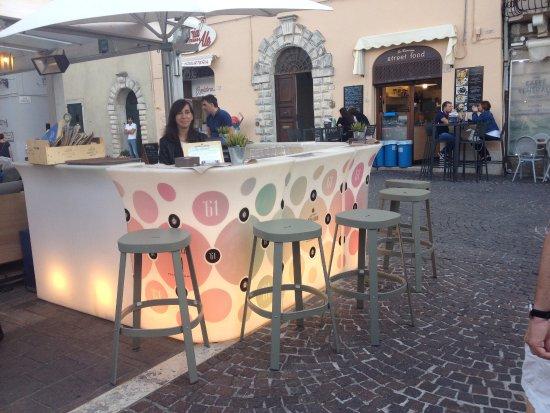 Marche, Itália: Cortesi e disponibili