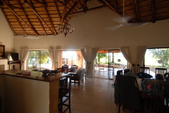 Satara Rest Camp: Main living space with lounge and dining area