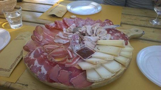 Ponteginori, Италия: tagliere misto!!!