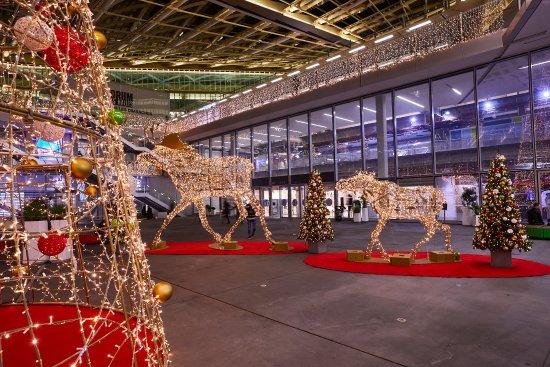 e8173c33 Illuminations de Noël - Picture of Forum des Halles, Paris - TripAdvisor