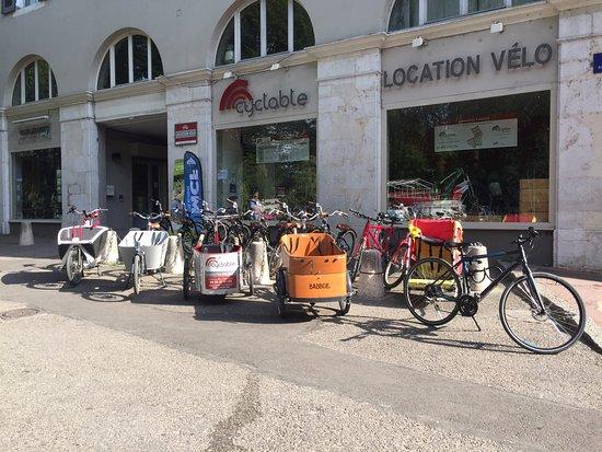 Cyclable Location Velo : triporteur et biporteur électrique à la location!