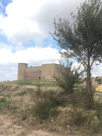 Medinaceli, Ισπανία: Desde la parte de atrás no parece nada. Desde el mirador que hay cerca es otra cosa con vistas m