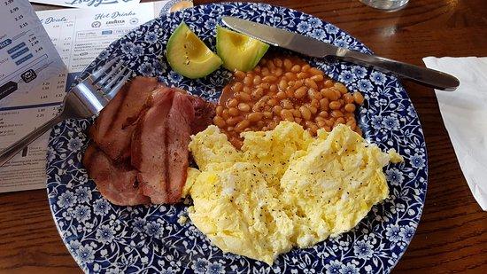 Brighouse, UK: Bespoke Breakfast at Wetherspoons !