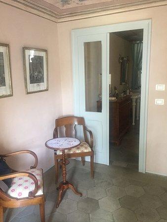 Говоне, Италия: View from the door.