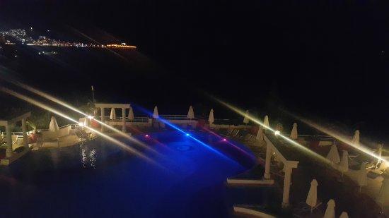 Korumar Hotel De Luxe Photo