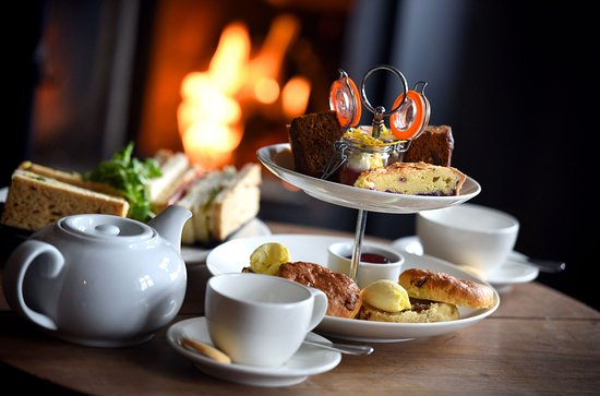 Thornham, UK: Afternoon tea at The Lifeboat Inn