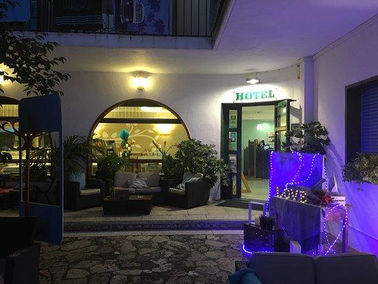 Hotel Bell Repos Photo