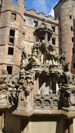 Linlithgow, UK: fountain