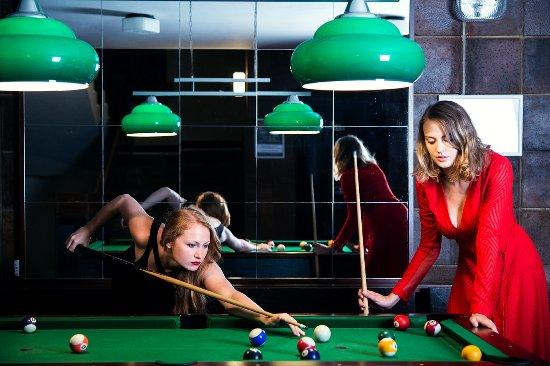 Лугачовице, Чехия: Možnost aktivního vyžití nabízíme stolní tenis, kulečník, tenisový kurt a mnoho dalšího