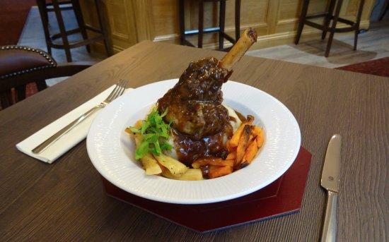 Greenlaw, UK: Rosemary & Red Wine Braised Lamb Shank
