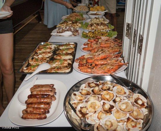 Na Chom Thian, Thailand: BBQ night