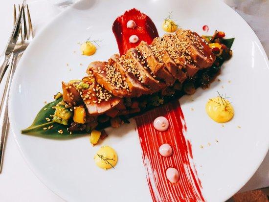 1907 Restaurant & Cafè: Tuna tataki