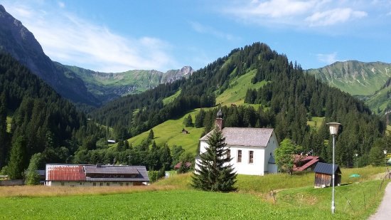 Kleinwalsertal, Austria: Kapelle St. Martin oberhalb von Baad