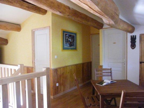 Courcon, Francja: Mezzanine desservant les 3 chambres de l'étage