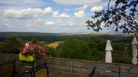 Dannenfels, Germany: Restaurant patio