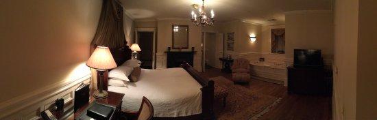 Wentworth Mansion: photo0.jpg