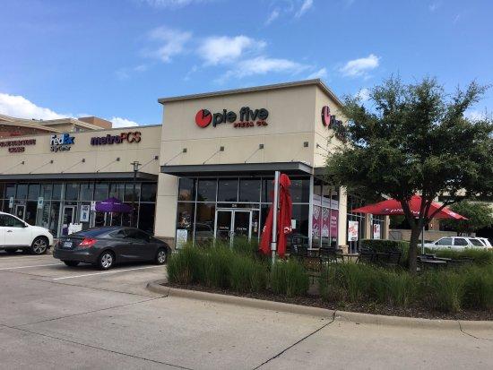 Allen, Teksas: Exterior of restaurant