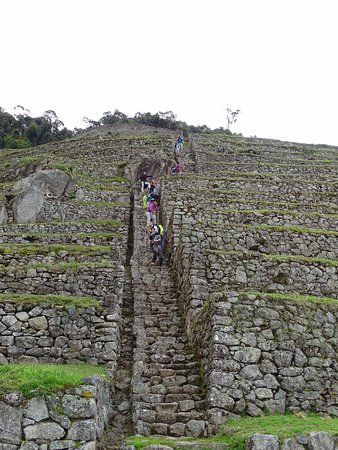 The Ruins of Intipata: Walking down the terraces