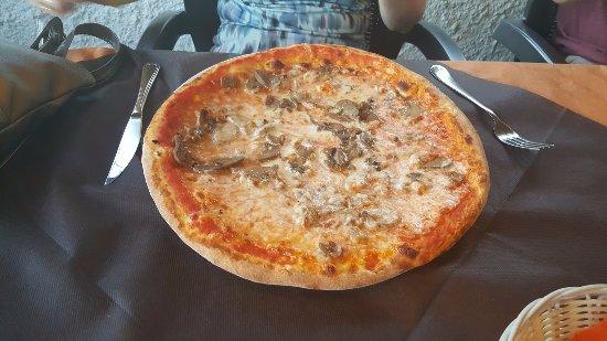 Le Brede : Mushroom Pizza