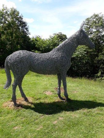 Helmsley, UK: Horse statue