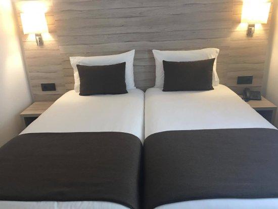 Hotel Pyrenees Foto