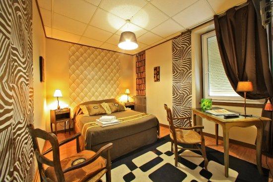 chambre confort Logis 3 cheminées les voyageurs la Coquille en Perigord vert