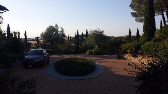 Montespertoli, Italy: giardino