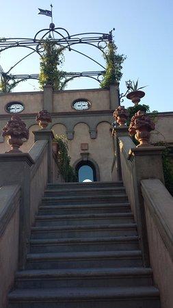 Montespertoli, Italia: scalinata
