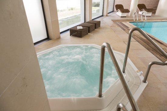 Dom Goncalo Hotel & Spa: Jacuzzi no circuito húmido