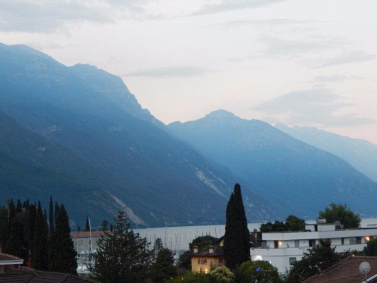 Hotel Garda - TonelliHotels: View from balcony in evening