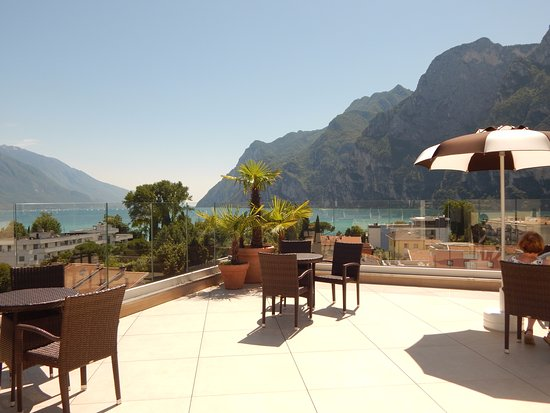 Hotel Garda - TonelliHotels: Rooftop terrace and view