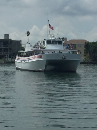 Queen fleet deep sea fishing clearwater fl omd men for Queen fleet deep sea fishing clearwater fl