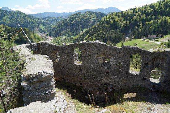 Eisenkappel, Avusturya: Gut erhaltene Ruine mit toller Aussicht