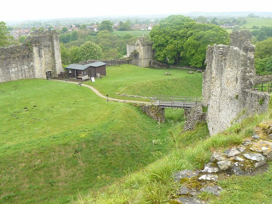 Pickering Castle : Inner Ward entrance (Coleman Tower), Gatehouse & Mill Tower from top of Motte