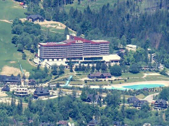 Widok Hotelu Z Daleka Picture Of Mercure Kasprowy Zakopane