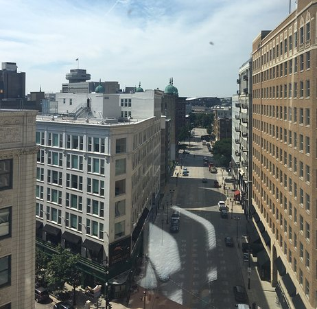 Residence Inn Milwaukee Downtown: This is the view from Room 727