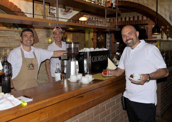 Rheineck, Switzerland: Mit dem Pizzabäcker